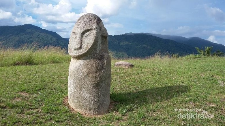 Patung megalitikum di Taman Nasional Lore Lindu, Poso, Sulawesi Tengah (Bambang Prijombodho/dTraveler)