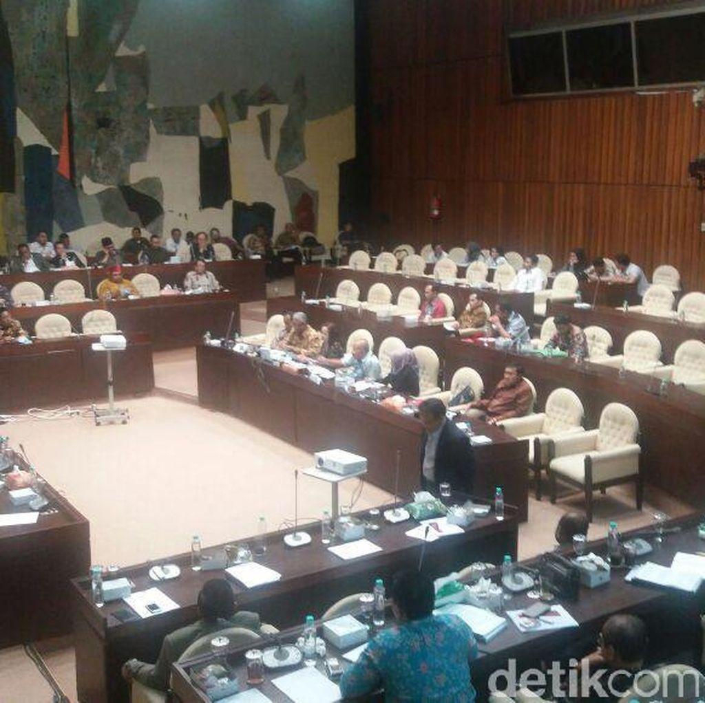 Belum Sepakat Soal Verifikasi Parpol, Komisi II-KPU Lanjutkan Rapat