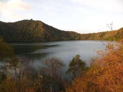 Unik, Pulau Satonda di NTB Punya Danau Air Asin