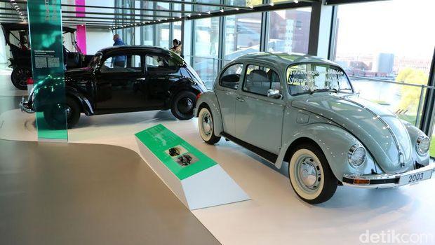Beetle Klasik Pertama dan Terakhir Bersanding di Museum VW