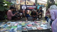 Rangsang Minat Baca, Mahasiswa Garut Ngelapak Pustaka Berjalan