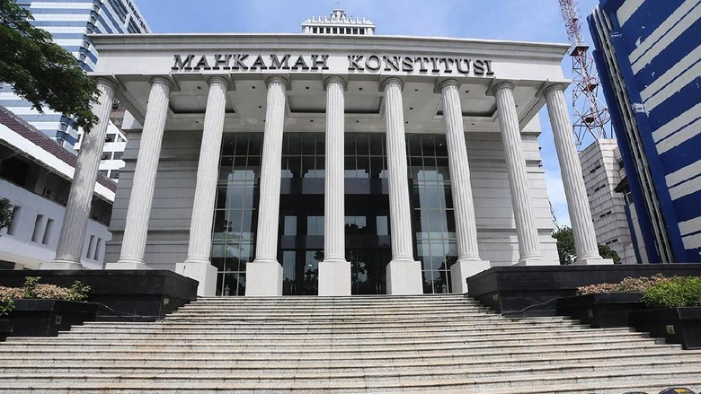 Kewenangan Menkum Tetapkan Pengurus Parpol Digugat ke MK