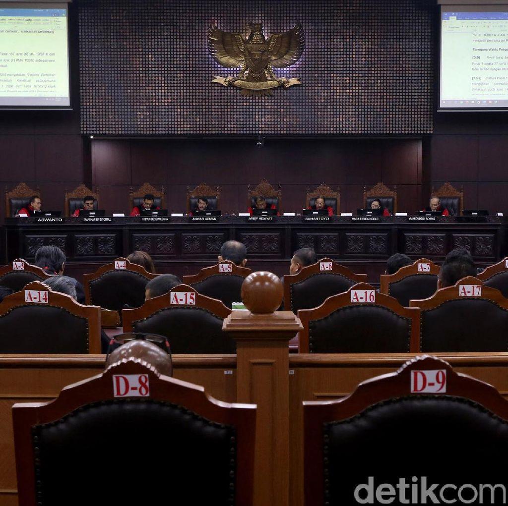 Nikah Sekantor Dihalalkan, 300 Eks Pegawai PLN akan Temui Manajemen