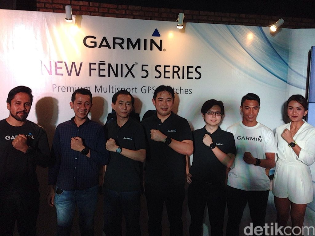 Seri Fenix 5 ini terdiri dari Fenix 5S ukuran terkecil (42 mm), Fenix 5 ukuran medium (47 mm), dan Fenix ukuran besar (51 mm). Foto: detikINET/Agus Tri Haryanto