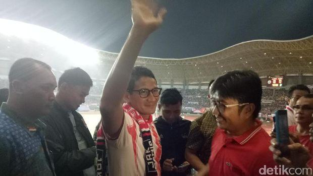 Sandiaga Saksikan Laga Persija Vs Timnas U-22 di Stadion Patriot