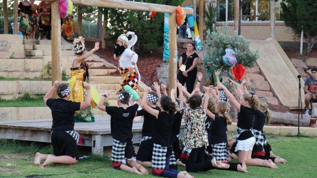 Murid SD di Perth Tampilkan Tari Kecak dan Kisah Rama dan Sinta