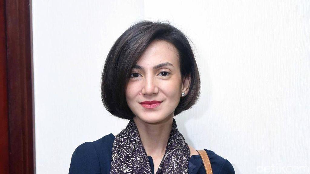Wanda Hamidah Manfaatkan Anak untuk Latih Gerakan Baru Acroyoga