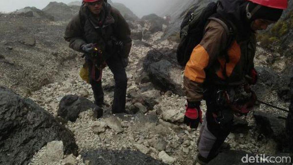 3 Mahasiswa Unsri Sukses Taklukkan Carstensz, ini Cerita Mereka