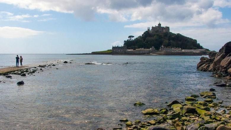 Kastil Gunung St Michael (Amanda Ruggeri/BBC)