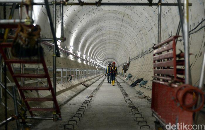 Kini, pekerjaan di Stasiun MRT Bundaran HI telah mencapai 80 persen. Sementara untuk keseluruhan (MRT Lebak Bulus-Bundaran HI), pengerjaan sudah mencapai 70 persen.