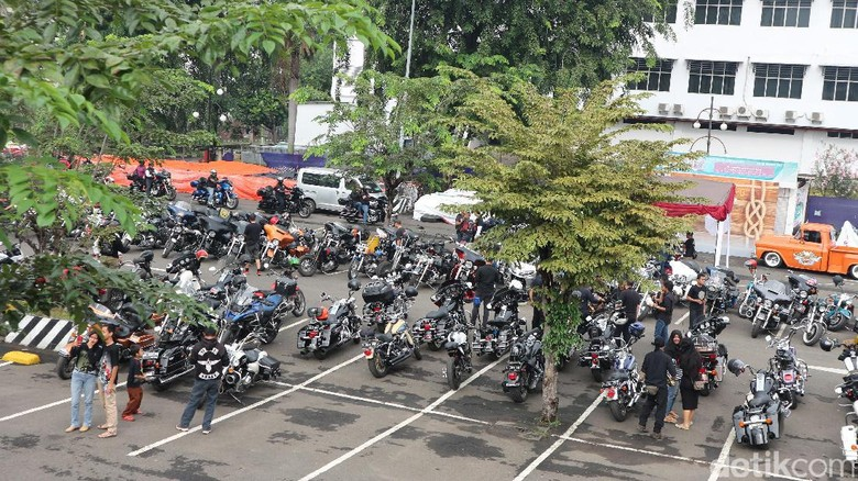 Bikers Luar Negeri Belum Lulus Jika Belum Jelajahi Indonesia