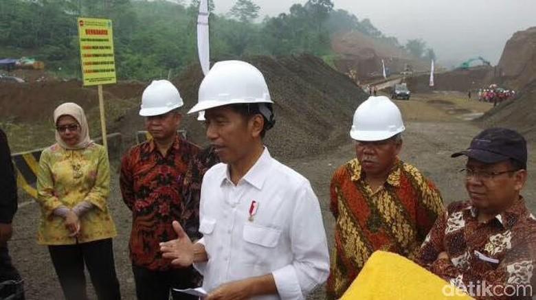 Di Zaman Jokowi: Dana Pendidikan Naik 27% dan Infrastruktur Naik 123%