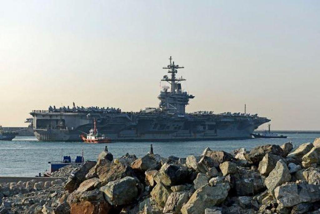 USS Carl Vinson kini ditempatkan di semenanjung Korea untuk menangkal ancaman dari Korea Utara. Foto: Reuters