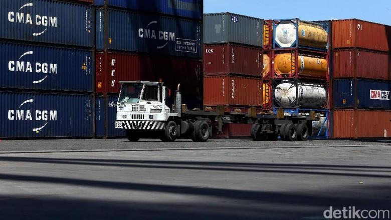 Ada Kapal Raksasa Sandar di Tanjung Priok, Ekspor RI Bisa Naik