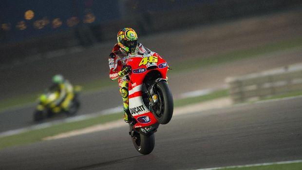 Lorenzo vs Rossi di Dua Balapan Pertama dengan Ducati