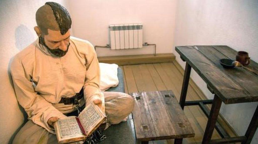 Berani? Wisata Keliling Penjara Sadis Rusia