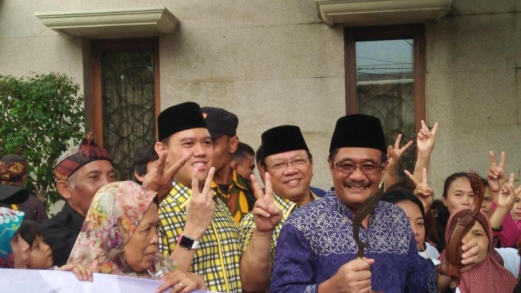 Didukung Relawan Sunda Jakarta, Djarot Diberi Kujang
