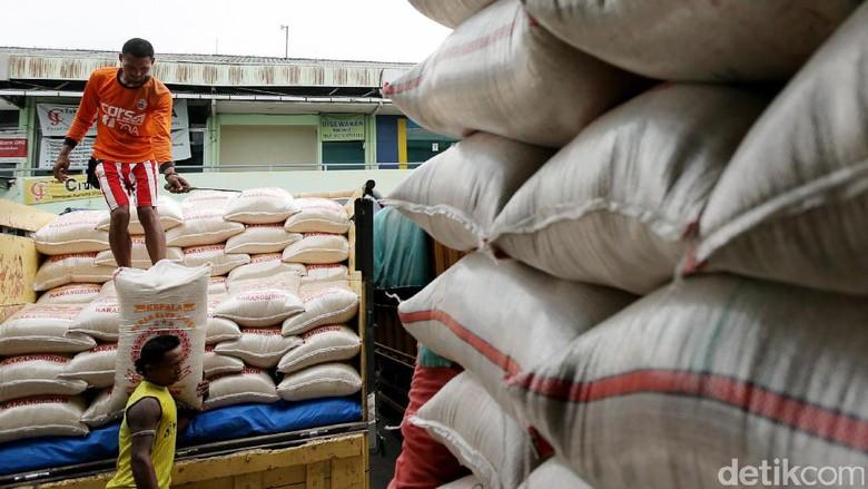 Satgas Pangan Cek Lonjakan Harga Beras di Pasar Induk Cipinang