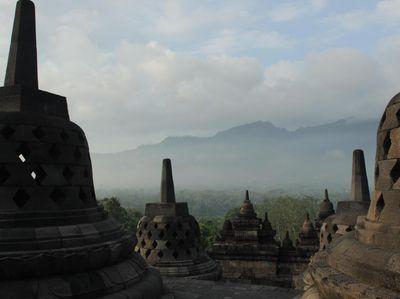 Liburan Akhir Tahun ke Candi Borobudur, Harap Bijak Waktu