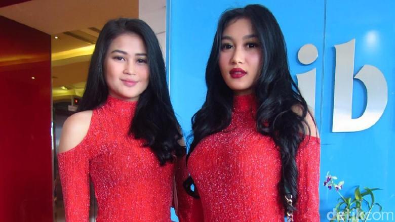 Duo Serigala Tak Tolak Tawaran Stripping
