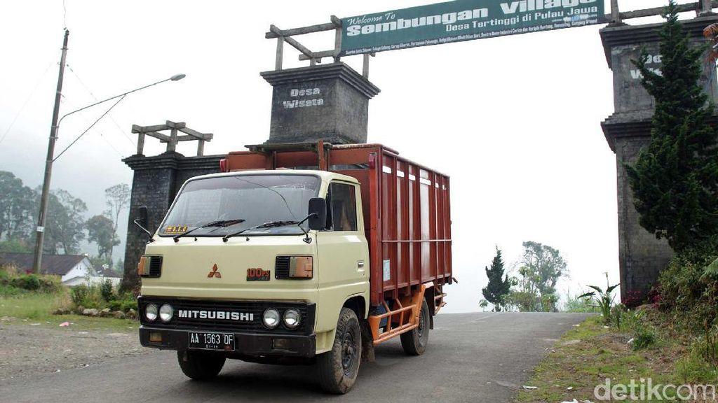 Kisah dari Desa Tertinggi di Pulau Jawa