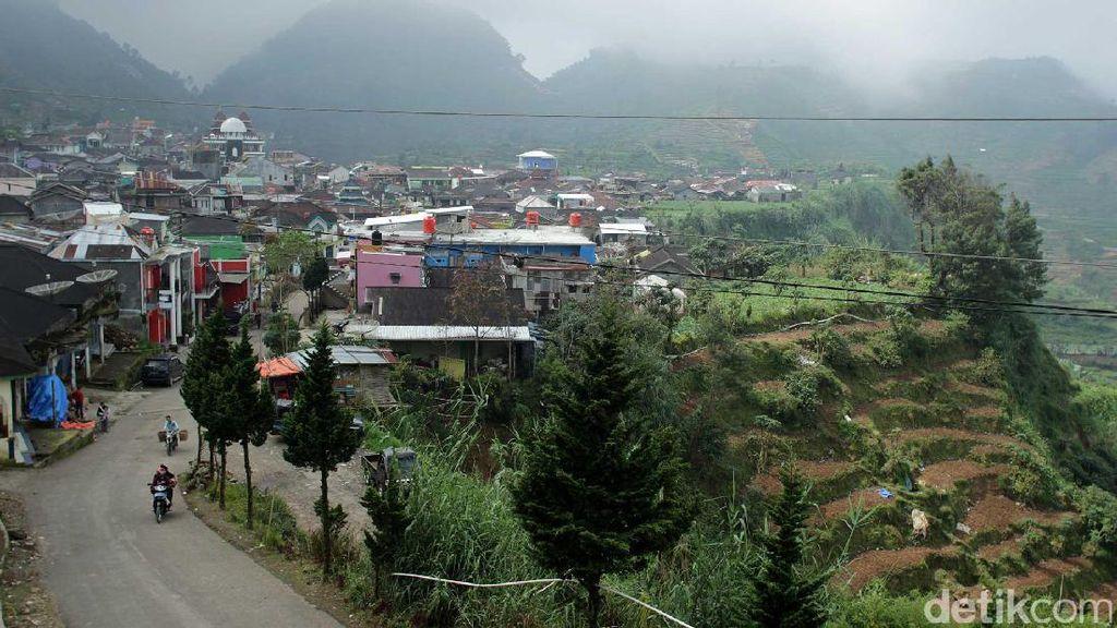 Foto Desa Tertinggi di Pulau Jawa