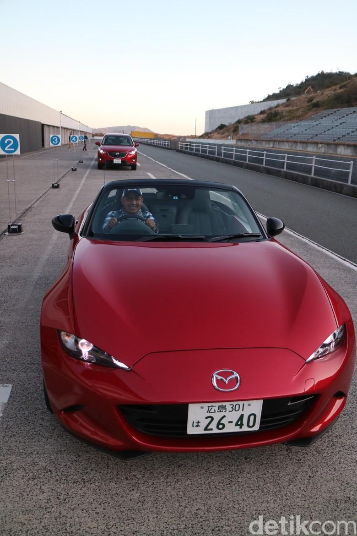 Menjajal Mobil Terbaik Dunia dari Jepang