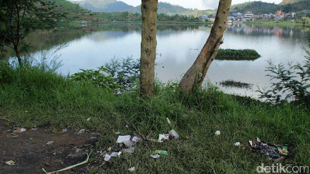 Momok di Kawasan Wisata Bukit Sikunir: Sampah