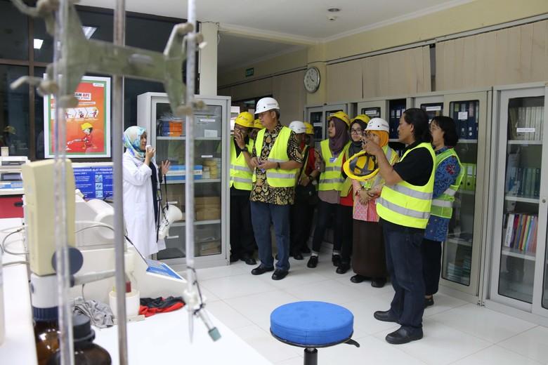 Badan Standarisasi Nasional Kunjungi Pabrik Pelumas Pertamina