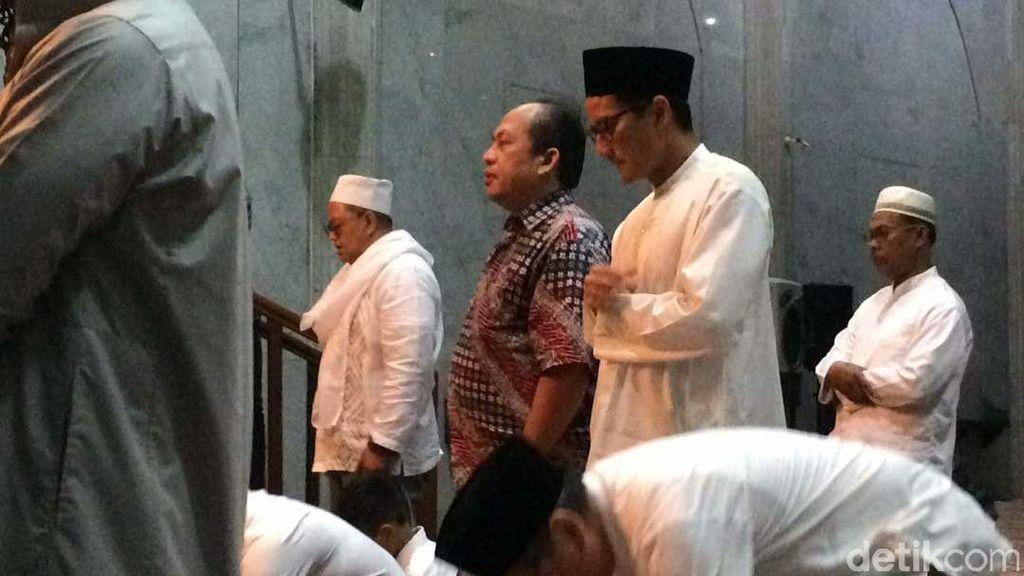 Usai Salat Subuh, Sandiaga: Mohon Doa untuk Kelancaran Hari Ini