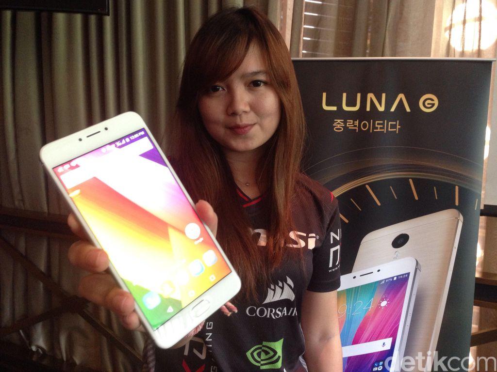 Luna G hadir dengan bentang layar 5,5 inch IPS FHD 1920 x 1080 pixel. (Foto: detikINET/Agus Tri Haryanto)