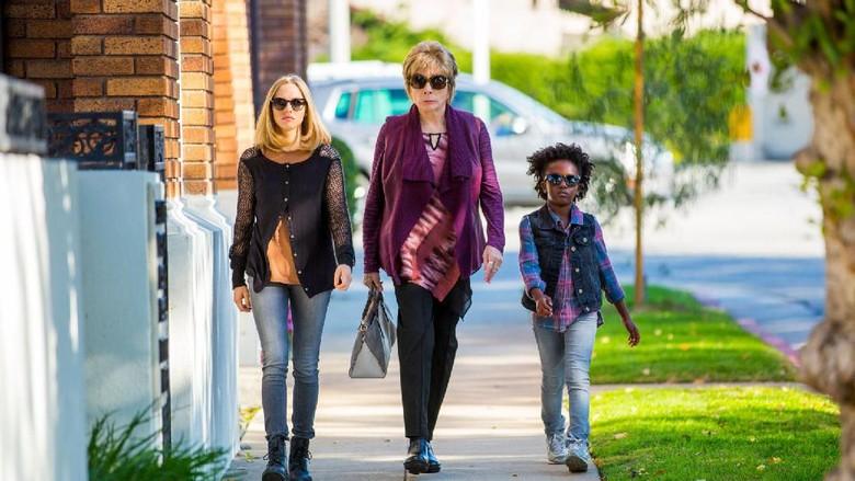 Petualangan Tiga Perempuan untuk Menulis Obituari dalam The Last Word