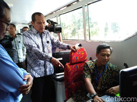 Pimpinan KPK Cek Bus Sosialisasi Antikorupsi