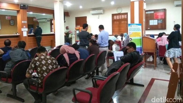 Hari Terakhir Lapor SPT, 600 Orang Lebih Antre di KPP Menteng