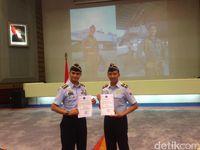 2 Pilot Sukhoi Dapat Penghargaan dari KSAU
