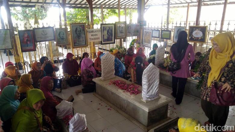 Makam RA Kartini di Rembang (Angling Adhitya Purbaya/detikTravel)