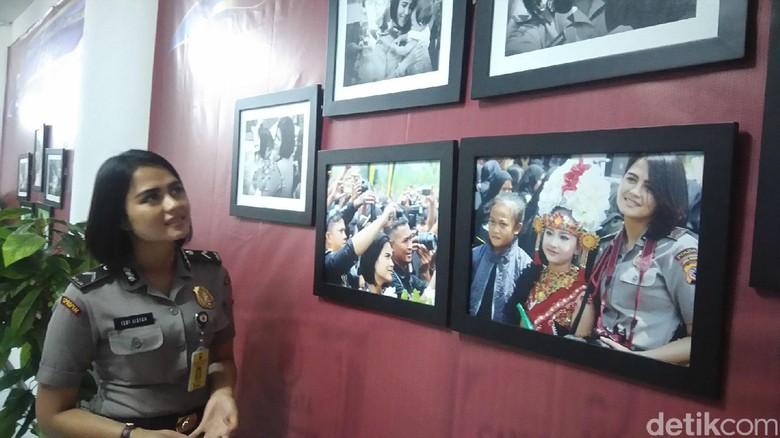 Peringati Hari Kartini, Polwan Cantik Bripda Ismi Gelar Pameran Foto