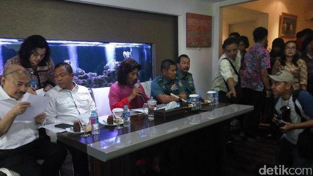 Jumpa pers soal kapal asing diduga mencuri kerangka kapal Seven Skies di Anambas, Kepulauan Riau