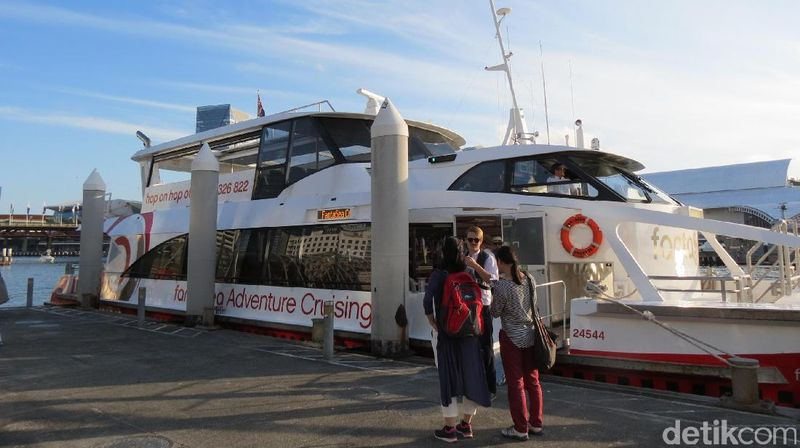 Ayo coba keliling Sydney naik cruise catamaran dengan paket Classic Aussie Cruise dari Fantasea Cruising. Kapal berangkat dari Eastern Ponton dekat Sydney Opera House 4 kali sehari (Fitraya/detikTravel)