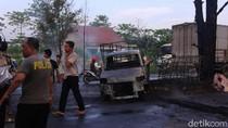 Mobil Terbakar setelah Tabrak Trotoar di Palembang, Sopir Tewas