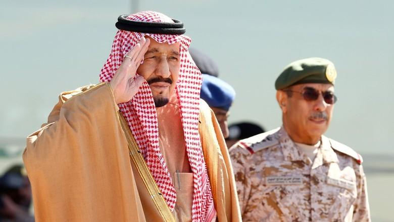 Raja Salman Berlakukan Kembali Bonus dan Tunjangan Khusus