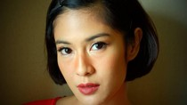 Wanita Indonesia Kini Berani Berekspresi, Pakai Cat Rambut dan Lipstik Cerah