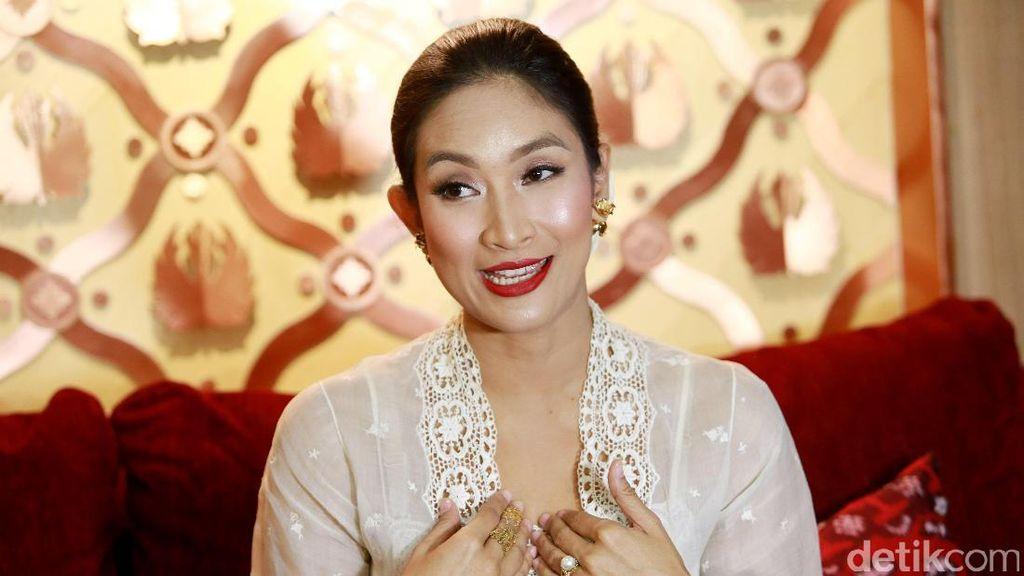 Rayakan Hari Kartini, Happy Salma Bikin Pentas Monolog 3 Perempuan