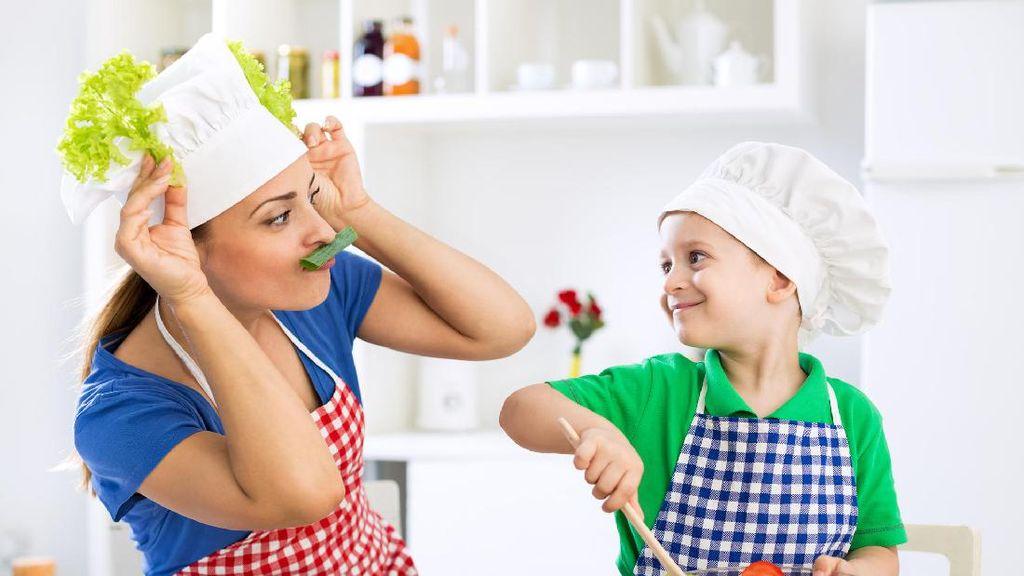 Lakukan 6 Cara Ini Agar Membuat Kue Bersama si Kecil Lebih Menyenangkan!