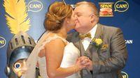 Unik! Pasangan Ini Lakukan Pernikahan di Museum Daging Kalengan