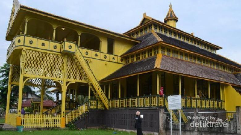 Foto: Istana Kadriah (Juli Trisna Aisyah Sinaga/dTraveler)
