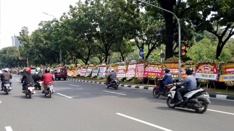 Pemprov: Ada 2.700 Karangan Bunga untuk Ahok-Djarot di Balai Kota