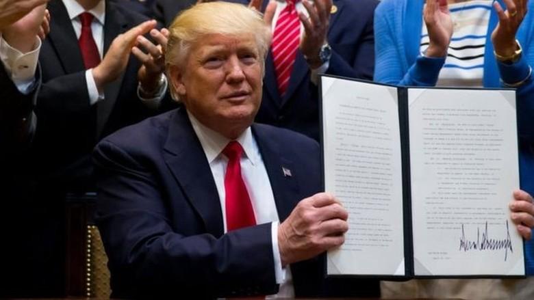 Trump Teken Perintah Eksekutif Izinkan Pengeboran Minyak di Arktik