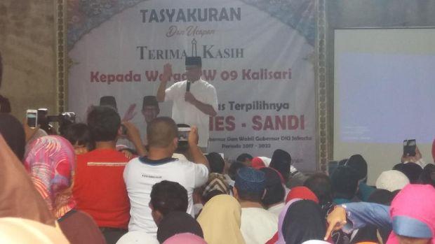 Hadiri Syukuran Relawan di Pasar Rebo, Anies Sampaikan Terima Kasih