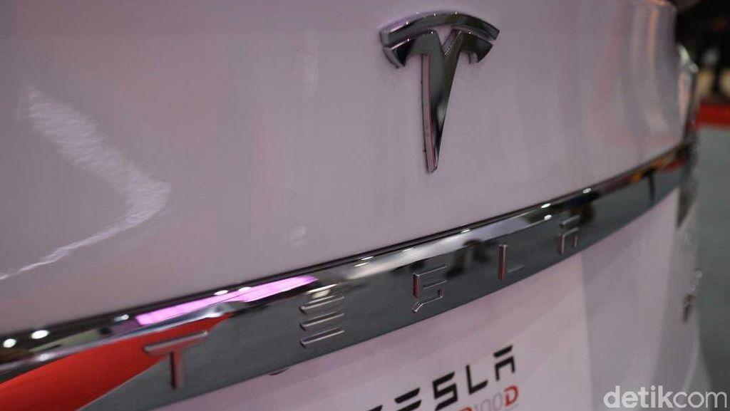 Tesla Siapkan Transformers Listrik yang Bisa Berlari Hingga 482 Km